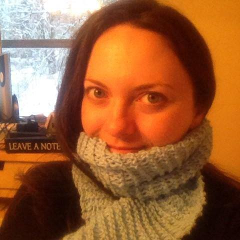 TADA! I actually finished making a scarf!